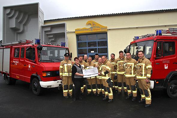 Spende für die Freiwillige Feuerwehr Drabenderhöhe
